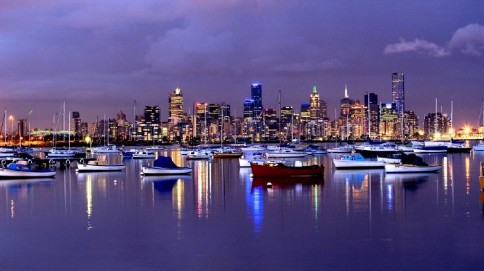 741763344_56e54607_Melbourne_from_Williamstown_foreshore.jpg