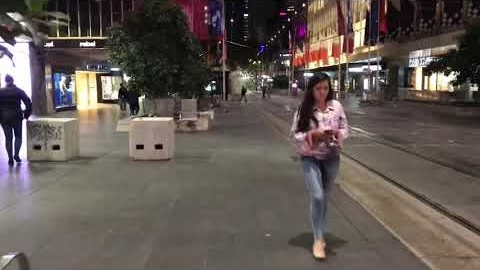 Walking around on Melbourne CBD [Road ASMR