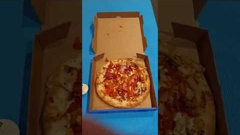 Domino Loaded Chicken Supreme Pizza [Melbourne / 멜버른]