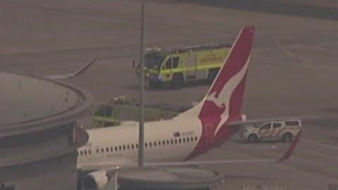호주 산불로 멜버른 공항 활주로 봉쇄·항공편 결항 / YTN 사이언스